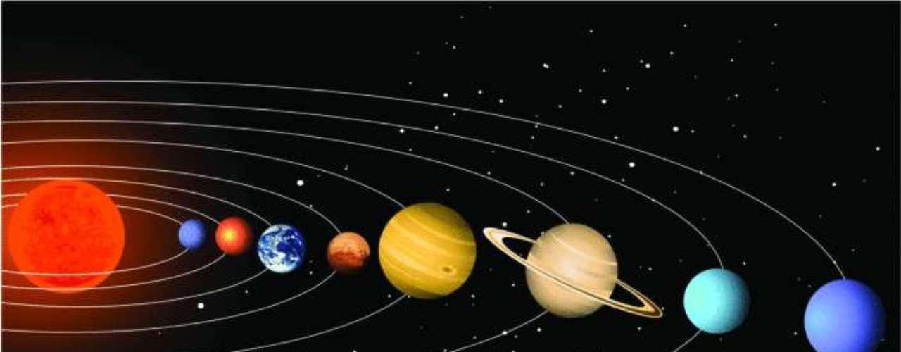 Alineación cósmica. La Tierra y el Sol se alinean con el centro de la Vía Láctea cada diciembre, pero es un evento anual que no tiene ninguna consecuencia para nosotros ni guarda relación con el llamado fin del mundo. Ciertamente, ha sido una coincidencia que las dos últimas veces que esa alineación se produjo ocurrieran los terremotos de Chile (el 27 de febrero de 2010) y de Japón (el 11 de marzo de 2011). Sin embargo, también ocurrió en octubre de 2011 y no se suscitó ninguna desgracia.