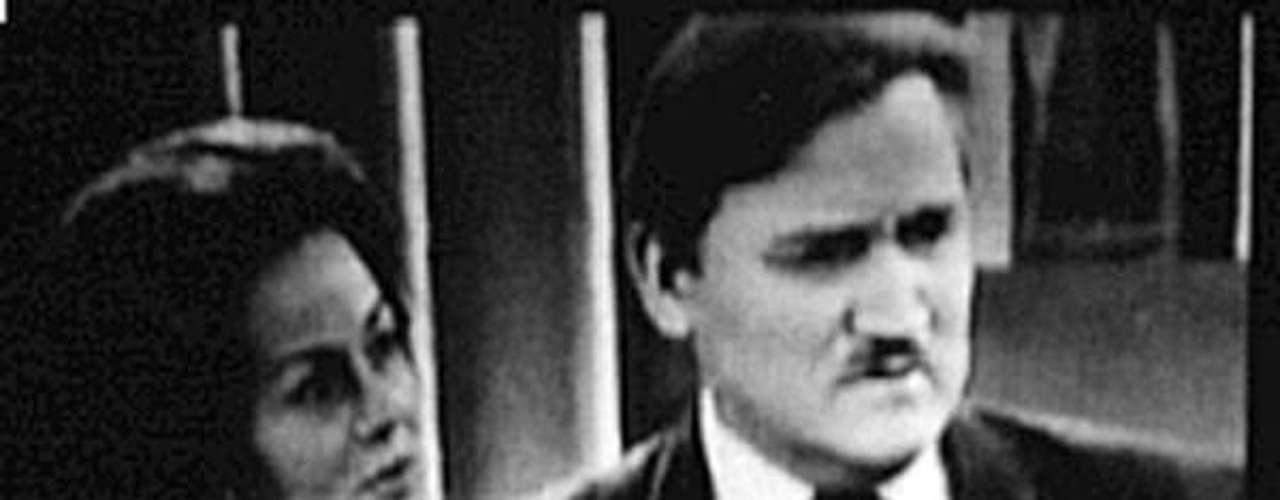 Gutierritos (1958 - México) Un hombre maduro es humillado por su esposa, hijos y personal del trabajo. 'Gutierritos' lo apodan a manera despectiva pero lo que la gente no sabe es que él se convierte en un grandioso escritor.
