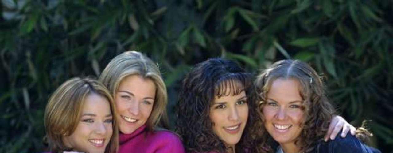 Amigas y rivales (2001 - México) Historia de cuatro amigas de diferentes clases sociales las cuales pasan por alegría, tristeza y maldad pero al final su amistad es más fuerte que cualquier problema.