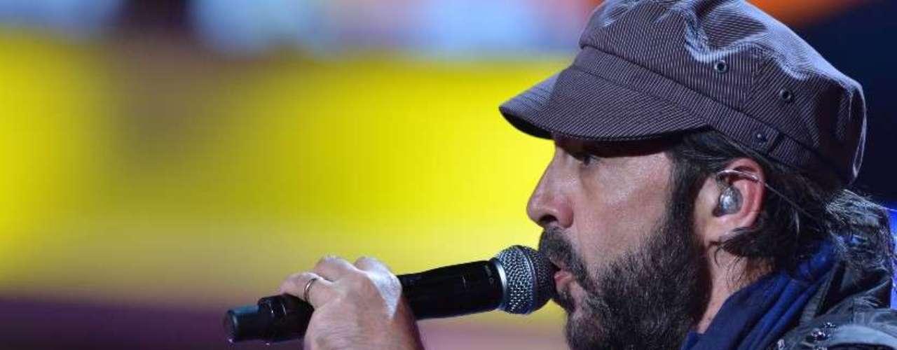 Juan Luis Guerra no sólo animará la noche con su voz, pues es el gran favorito en la premiación al ser el máximo nominado.