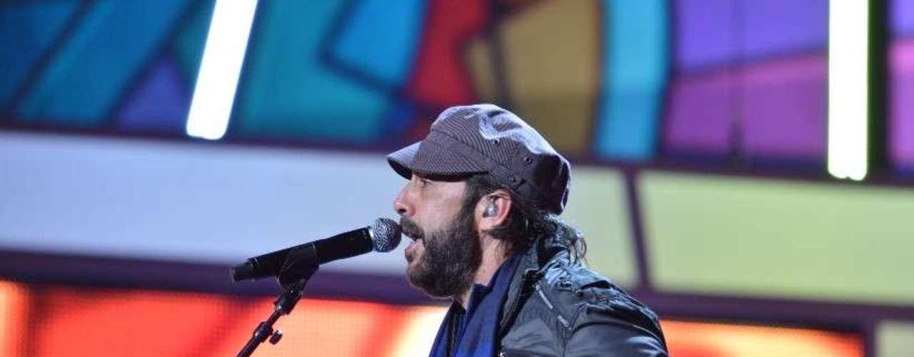 El músico podría sorprender con un performance mágico al lado de Juanes.