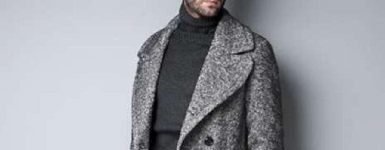 Look Europeo: para poder llevar este look debes llevar pantalones entallados y un saco igual de ajustado.