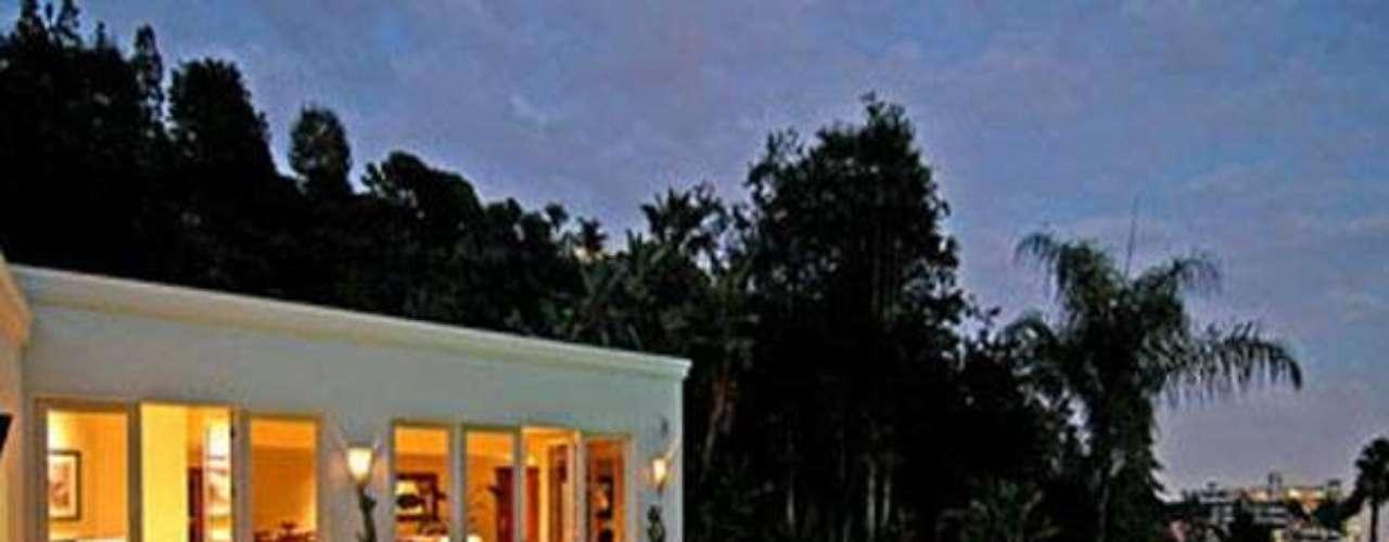 La mansión tiene un valor de 3.7 millones de dólares y luego de 5 años de poseerla la tienen a la venta, casi como la adquirió la pareja. ¡Dale un vistazo!