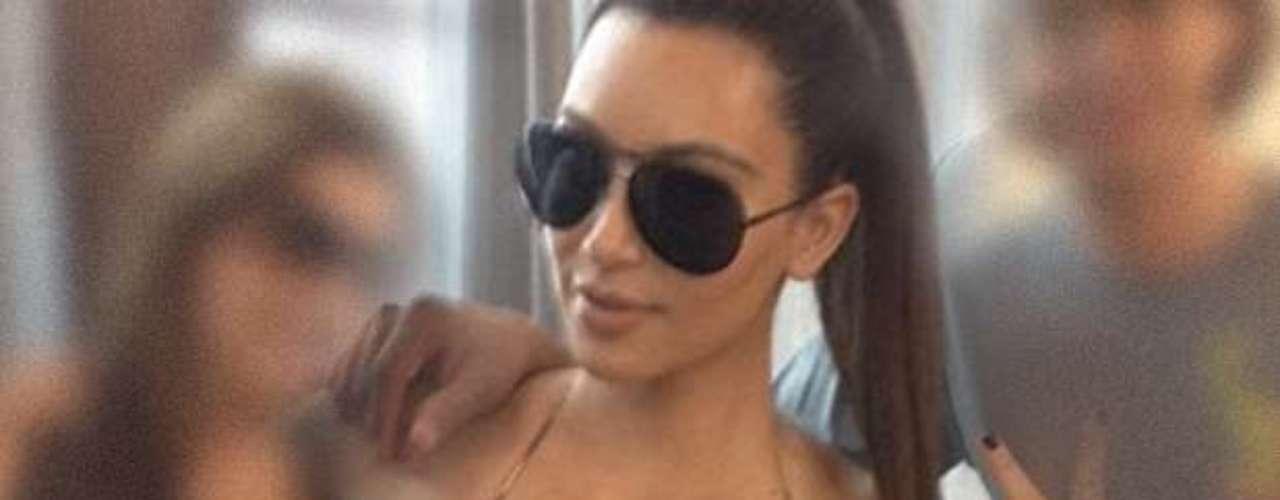 Kim Kardashian nos recordó porque la socialité se hizo famosa mostrando las bubis y trasero en la red social de Instagram.