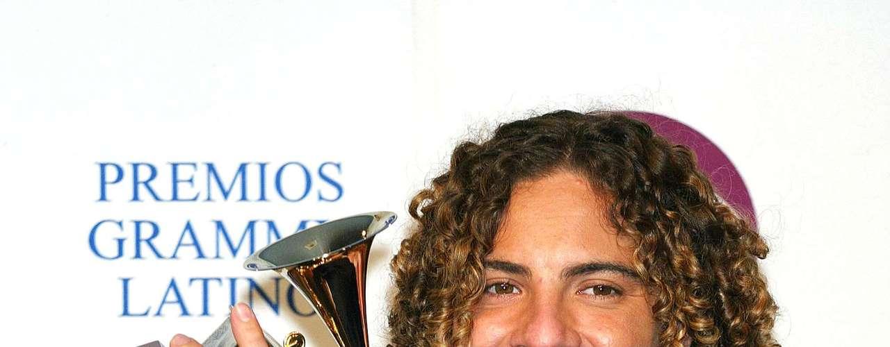 El participante de Operación Triunfo, David Bisbal, se llevó el Latin Grammy para el 2003 con su album debut. David se impuso sobre Tiziano Ferro, Natalia Lafourcade, Fernanda Porto y Álex Ubago.