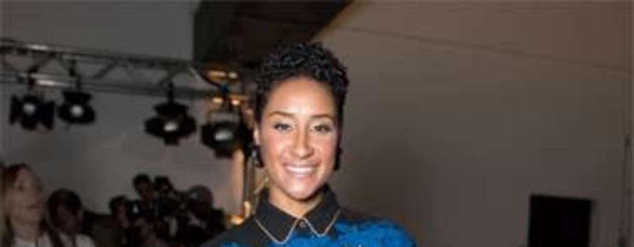 Kimberly Chandler con este look de Louis Vuitton top y Suno embroidered ocupa la novena posición de la lista.