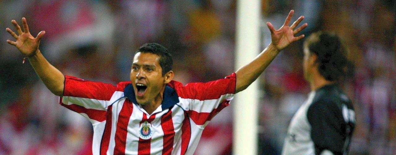 En la Vuelta en el estadio Jalisco Chivas por fin superó su miedo al 'diablo' y lo venció 2-0 con goles de Ramón Morales y Omar Bravo para avanzar a la Final, que después perdió en penaltis contra Pumas.