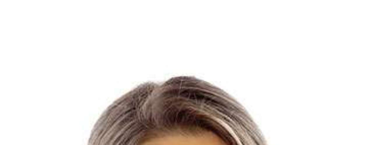 Estados Unidos, Olivia Culpo. Procedencia: Cranston, Rhode IslandEdad: 20. Creció en Cranston, como hija del medio entre cinco hijos. Con dos músicos hábiles como padres y con sus hermanos que estidiaron diversos instrumentos a lo largo de su infancia, Olivia eligió el cello. Sus otros intereses incluyen las películas, los museos, los conciertos y hacer reír la gente. Un día, Olivia espera tener una carrera, ya sea en cine o televisión. \