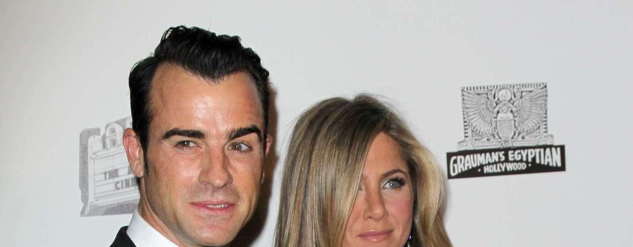 Hace unos meses Jennifer y Justin se comprometieron.