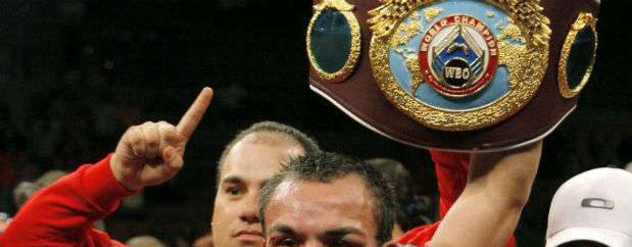 El mexicano Juan Manuel Márquez, quien enfrentará el próximo 8 de diciembre a Manny Pacquiao, es uno de los más destacados en la división. Es el cuarto boxeador azteca en convertirse en campeón del mundo en tres categorías. A sus 38 años sostiene una marca de 53 triunfos, seis derrotas y un empate.