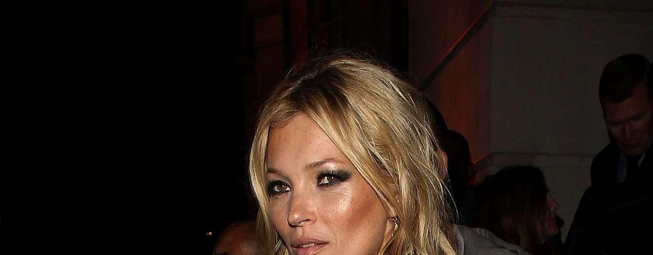 Kate Moss lució adoradisima en la presentación de su libro, \