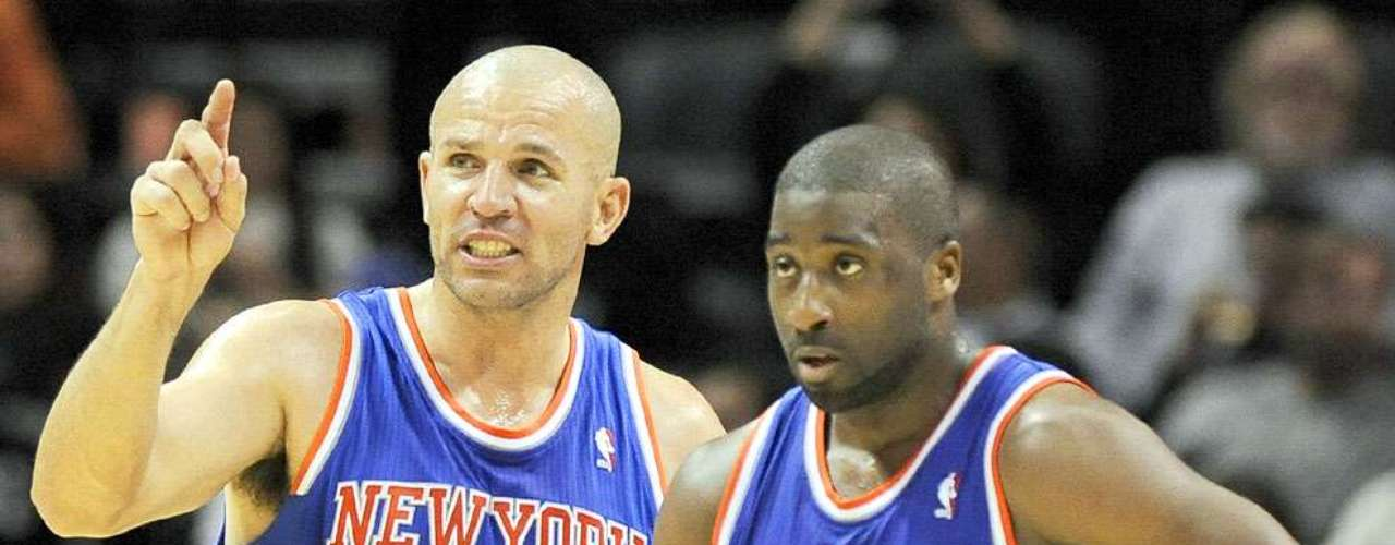 NY Knicks vs. Spurs: Jason Kidd y Raymond Felton se ponen de acuerdo en los últimos minutos del partido. Los Knicks de Nueva York remontaron una desventaja de 12 puntos para vencer 104-100 a los Spurs de San Antonio.