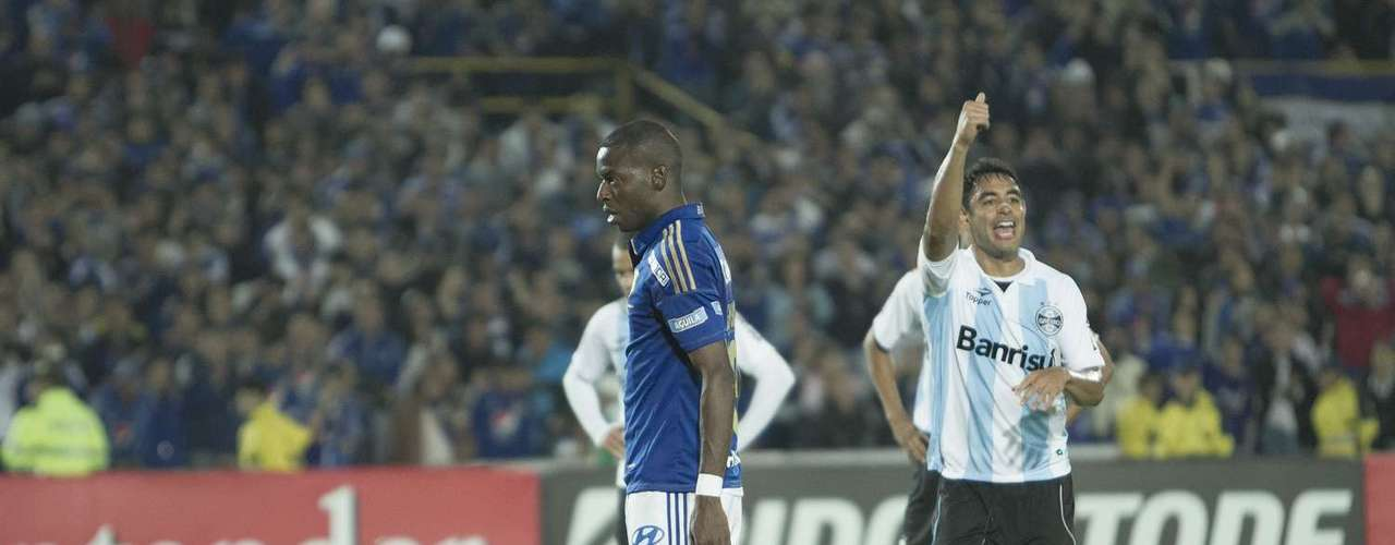Tranquilo y al palo izquierdo de Marcelo, el goleador 'embajador' puso el 3-1 definitivo para concretar el paso a semifinales de la Suramericana
