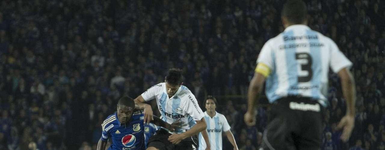 El equipo local se vio sorprendido por su rival que fue más en el segundo tiempo, pero fiel al estilo de Luxemburgo, decidió defender la ventaja que al final terminó perdiendo
