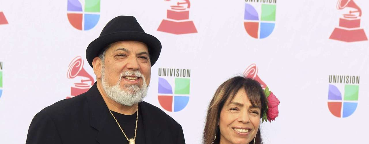 Percussionist Poncho Sanchez and his wife Stella arrive at the 13th Latin Grammy Awards in Las Vegas, Nevada, November 15, 2012.   REUTERS/Steve Marcus (UNITED STATES  - Tags: ENTERTAINMENT)