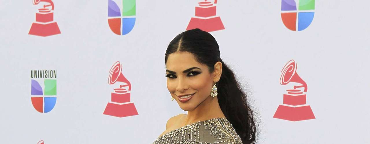 Model Alejandra Espinoza of Mexico arrives to the 13th Latin Grammy Awards in Las Vegas, Nevada November 15, 2012.    REUTERS/Steve Marcus (UNITED STATES  - Tags: ENTERTAINMENT)