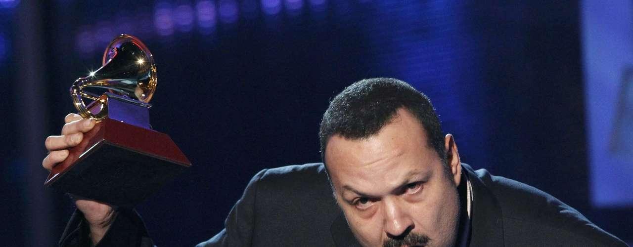 El cantante Pepe Aguilar celebra la victoria en la categoría Mejor Álbum Ranchero, gracias al disco \