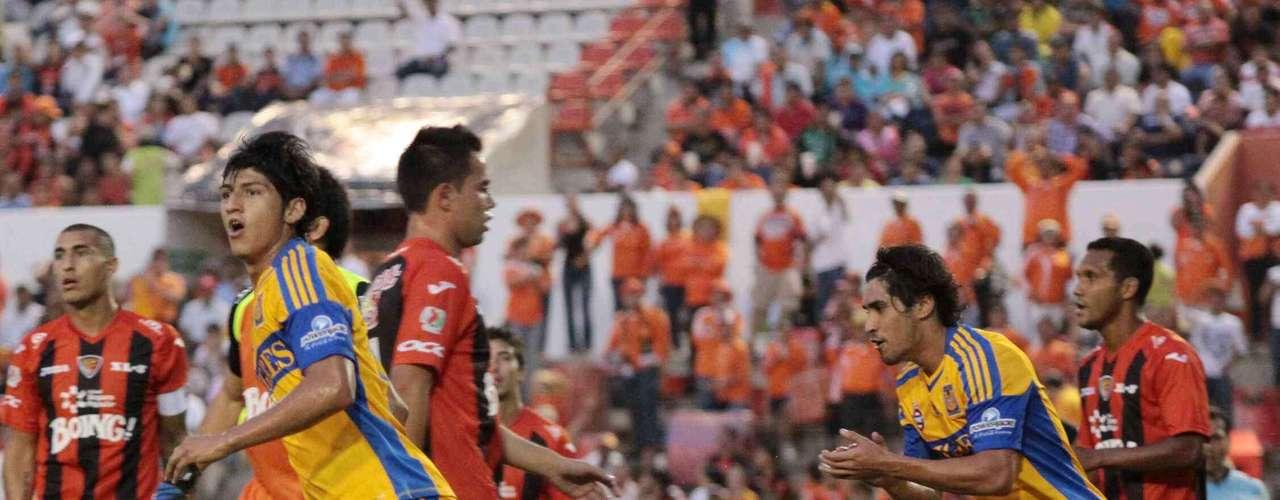 Tigres y Jaguares abrieron las acciones del Apertura 2012 el 20 de julio en el Víctor Manuel Reyna de Chiapas, donde los \