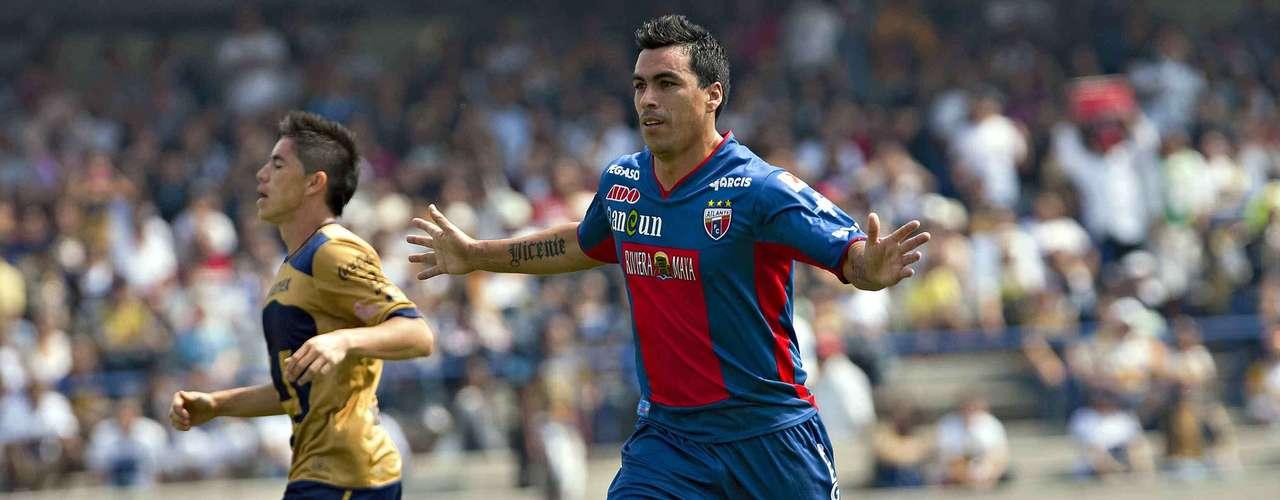 No obstante, el chileno Esteban Paredes 'mojó' ante Pumas el 11 de noviembre (J.17) y le 'robó' el logro personal en solitario a Benítez.