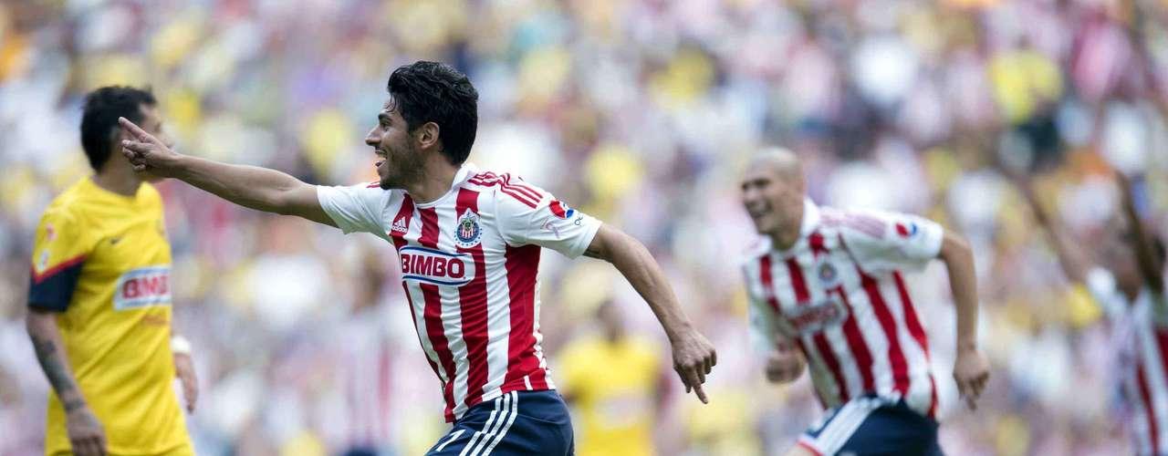 El 6 de octubre (Jornada 12), Chivas se adjudicó el Clásico Nacional en el Estadio Azteca al vencer 3-1 al América con una gran actuación de Rafael Márquez Lugo.