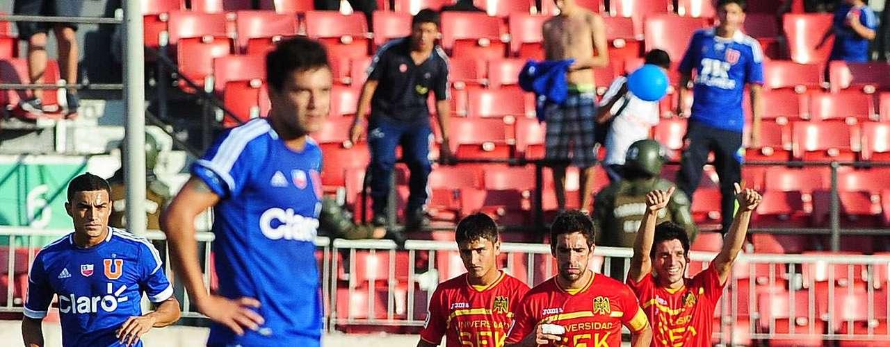El Estadio Nacional verá la revancha entre azules e hispanos a partir de las 17:45 horas del domingo 25.