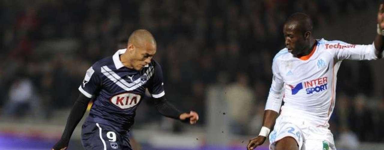 Burdeos derrotó 1-0 al Olympique de Marsella con gol de Yoan Gouffran para subir al segundo lugar de la tabla y bajar hasta el cuarto sitio a su rival.