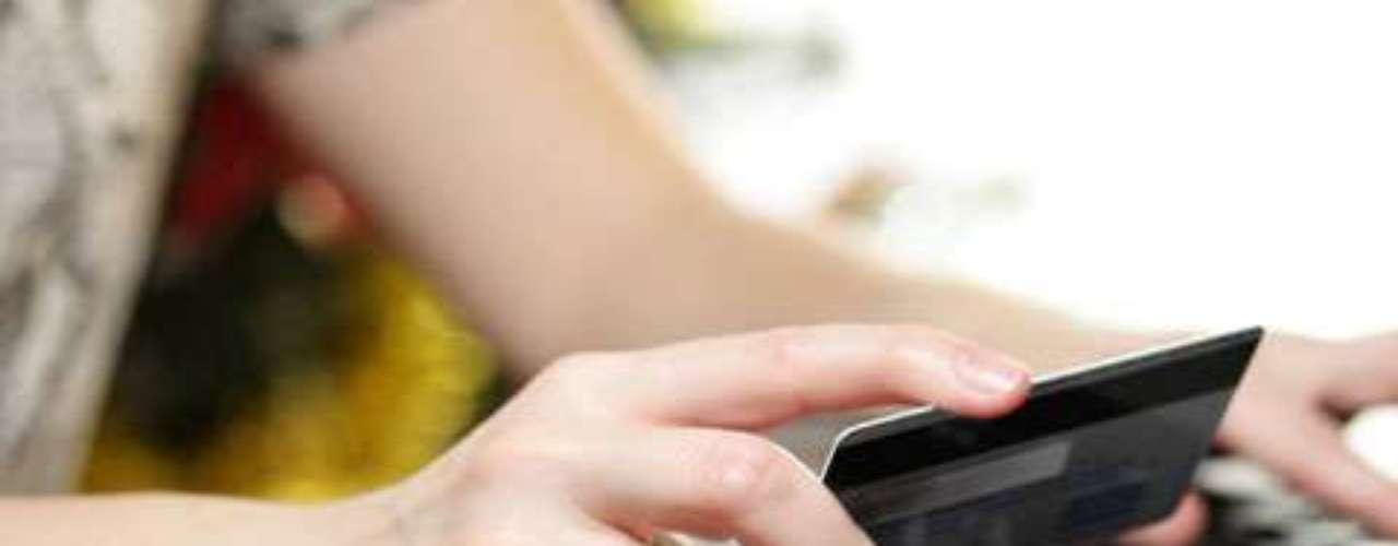 En el 2010, 70 por ciento de los consumidores de Cyber Monday hicieron sus compras durante sus horas de trabajo, desde las computadoras de la oficina