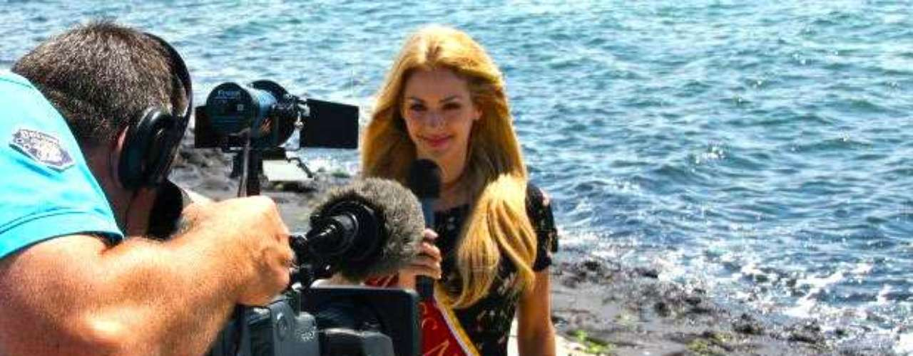 Durante el pasado concurso de Miss Mundo, esta despampanante rubia de 22 años, procedente de un pequeño pueblo llamado Made, logró ubicarse entre las 15 mujeres más bellas del certamen. Adicionalmente ganó el título de Miss Turismo Internacional 2010, en Malasia, y representó a su país en Miss Supranational 2010, en Polonia.
