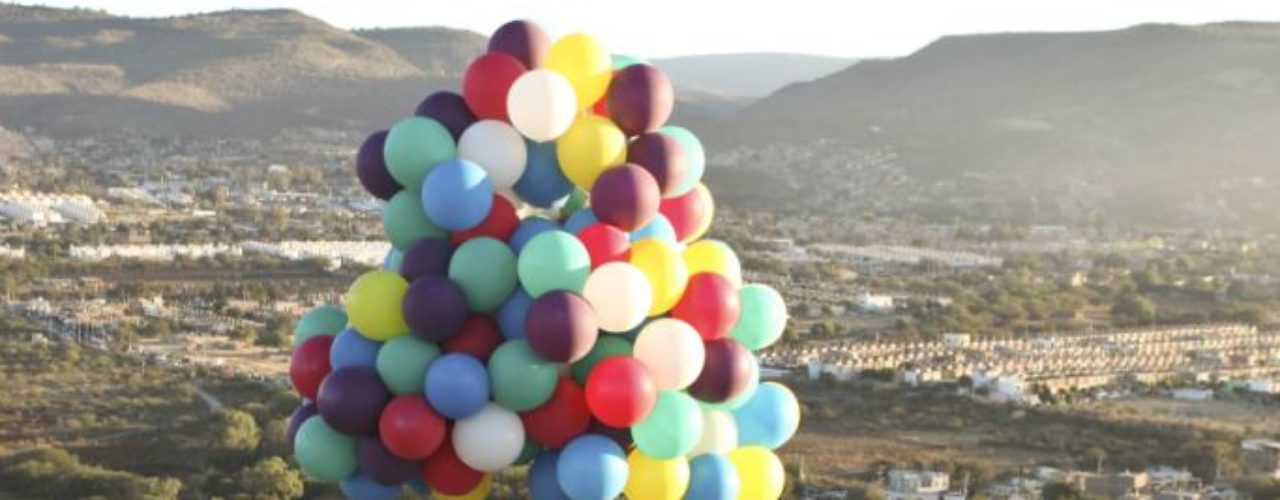 Atravesar el océano con globos ha sido el sueño de decenas de pilotos de globos. Sin embargo nadie lo ha logrado y cinco han muerto en el intento.