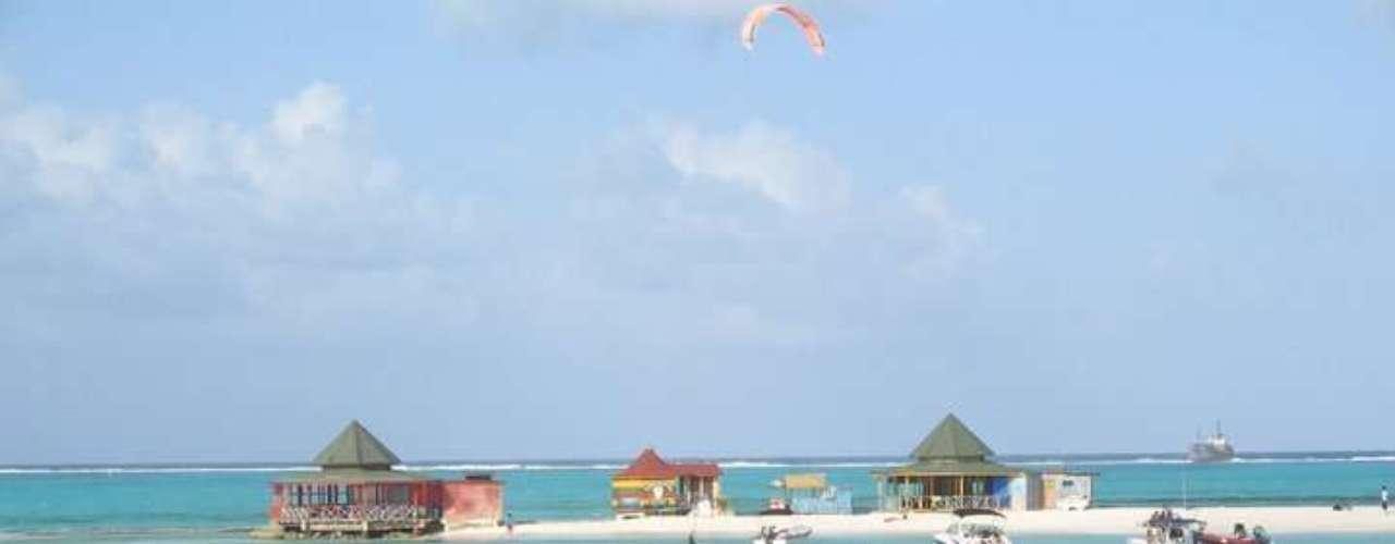 Un destino conocido por su mar de siete colores, por sus playas y