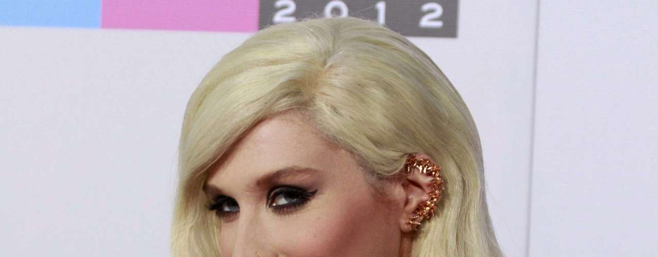 Singer Kesha arrives at the 40th American Music Awards in Los Angeles, California, November 18, 2012.