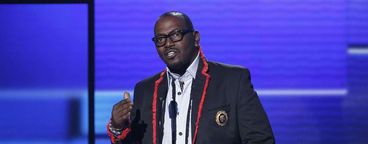 Randy Jackson introdujo el show de Kelly Clarkson en los American Music Awards, realizados en Los Ángeles, California, el 18 de noviembre.
