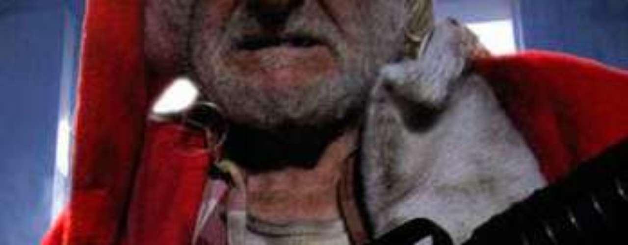 CUENTOS: Coming to Town, 2006. Una niña de 11 años cansada de ser víctima de todo tipo de humillaciones en el colegio, escribe una carta a Papá Noel pidiendo venganza. Sus deseos se cumplen cuando un Papá Noel vengador y malhablado acude en su ayuda con artillería pesada.