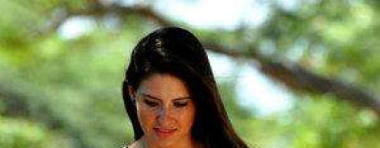Es cariñosa y dedicada, se deja conmover con cosas simples y detalles, le gusta la música y los sonidos de la naturaleza, además se preocupa por quienes quiere y por su bienestar, es respetuosa, de muy buenos modales y de sonrisa fácil.'Rafael Orozco, El Ídolo', ¿cómo va la trama?Protagonistas y villanos de 'Rafael Orozco, El Ídolo' celebran lanzamientoEntra a la página de 'Rafael Orozco, El Ídolo'Las mejores telenovelas colombianas