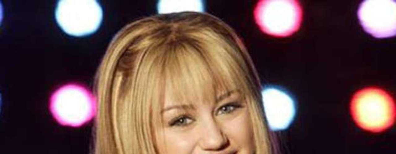 Su doble papel en la serie 'Hanna Montana' le dio a Miley Cyrus fama a nivel mundial y al canal un programa con altos puntos de rating; sin embargo, en cuanto se deshizo de esa imagen se convirtió en otra. (Texto: Reforma)