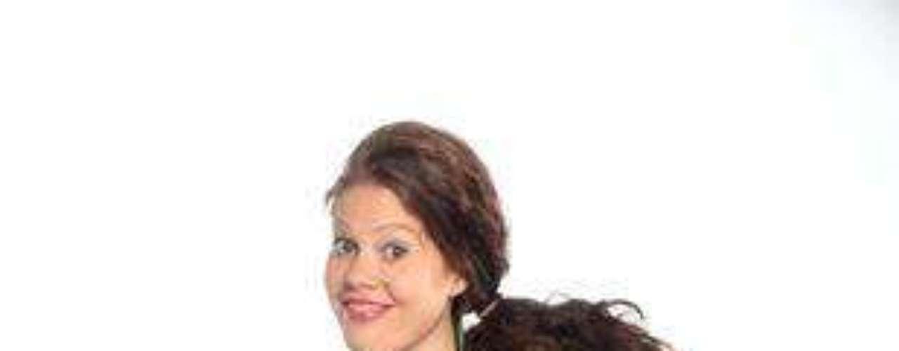 Más conocida como 'la celosa'. Famosa por su lengua de tres cabezas, capaz de enredar a cualquier persona en sus chismes, suposiciones e hipótesis inconclusas. De naturaleza tacaña, envidiosa, ventajosa y cizañera. Su mayor virtud es el sentido del humor que se jura que tiene.Entra a la página de 'Chepe Fortuna''Chepe Fortuna', una novela censurada por el Presidente ChávezLas mejores telenovelas colombianas