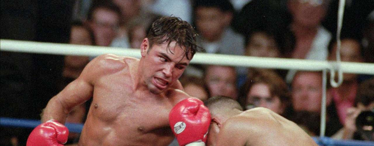 Another infamous loss was also unanimously, against his compatriot Felix trinidad, who defeated him despite suffering a cut to his left eye early in the fight.