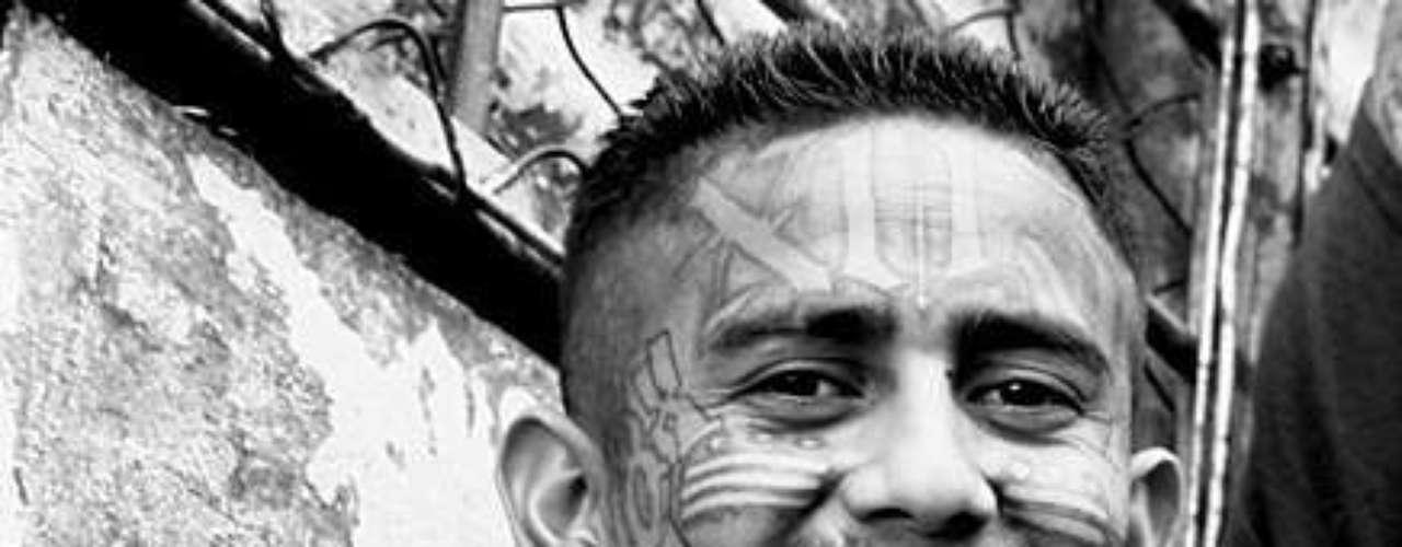 La tregua está mediada por el ex guerrillero Raúl Mijango y el religioso Fabio Colindres, quien están en diálogo con los líderes presos de las bandas.