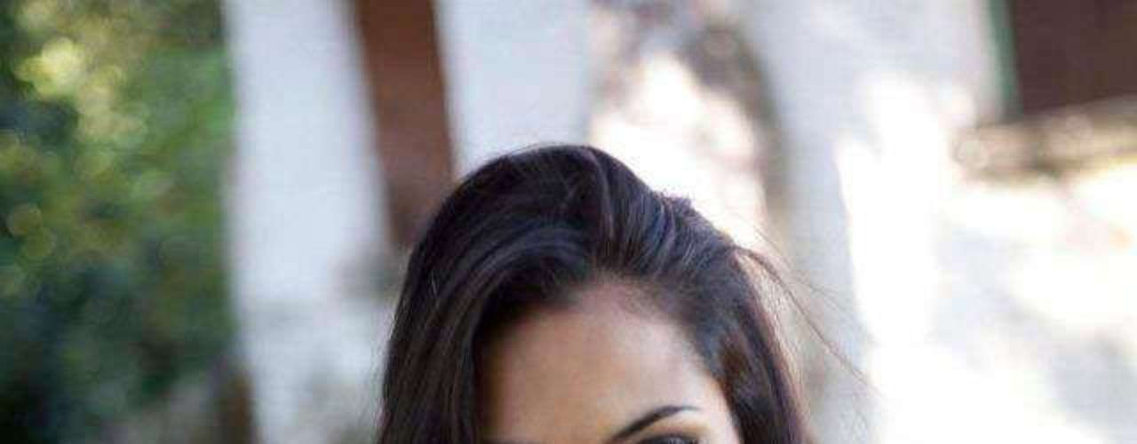 Argentina - Camila Solórzano Ayusa. Nació en el año de 1989 en la provincia de Tucumán. Comparte su tiempo entre las pasarelas, su profesión de bailarina y coreógrafa, además de sus estudios universitarios. Mide 1.79 metros de estatura. Tiene cabllo negro y ojos color café