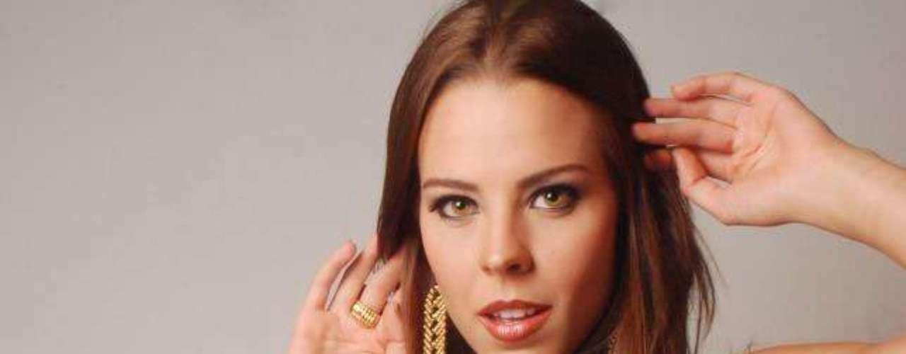 Panamá - Stephanie Vander Werf. Nació en ciudad de Panamá el 26 de octubre de 1986. Es licenciada en Publicidad y Relaciones Públicas por la Universidad Cristiana de Texas en Fort Worth. Mide 1.78 metros de estatura. Su cabello es castaño y sus ojos color café.
