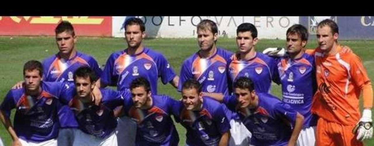 Sin embargo, en España existe el Guadalajara (Segunda División o Liga Adelante), que también hace juego con el \