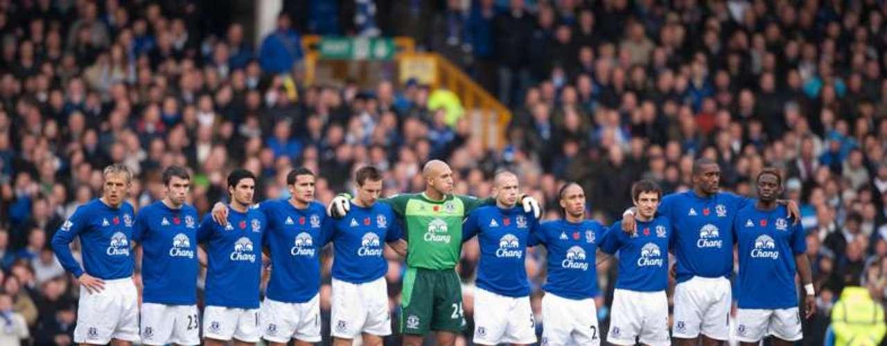 Everton compite en la Liga Premier inglesa.