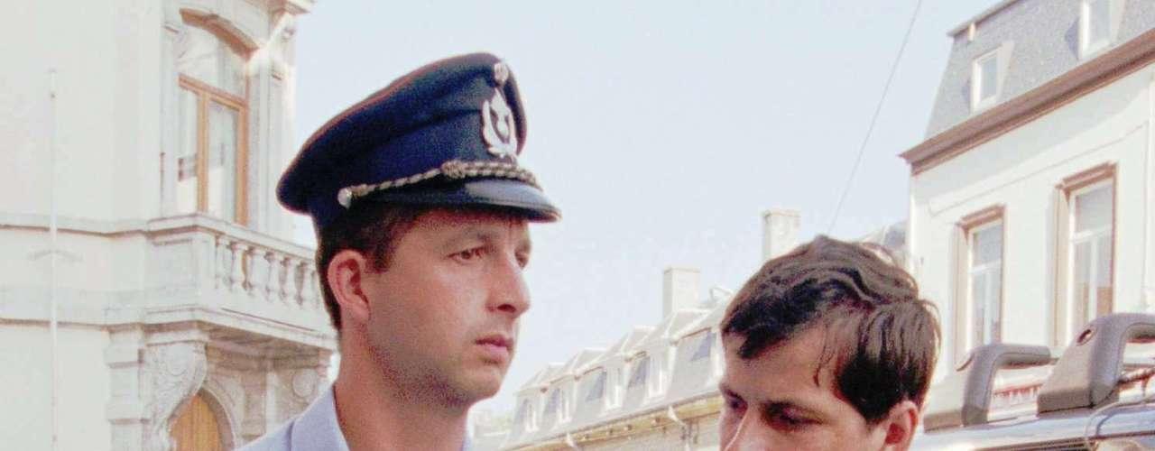 Sin embargo, hasta la fecha Dutroux no ha reconocido que cometió los crímenes.