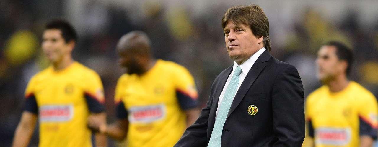 Miguel Herrera y los jugadores de América salieron casi eliminados