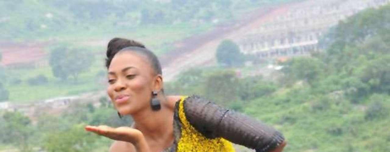 Nigeria, Isabella Agbor Ojong Ayuk. Procedencia: Estado de Cross River. Edad: 26. Se crió en la zona de Ikom, Gobierno Local del Estado de Cross River. Al ser criada por una madre viuda, Isabel tiene una pasión por el trabajo con viudas. A ella le encanta trabajar para crear un negocio a pequeña escala y ayudar a recaudar fondos para las becas para sus hijos, renovaciones en el hogar y otras necesidades básicas. \