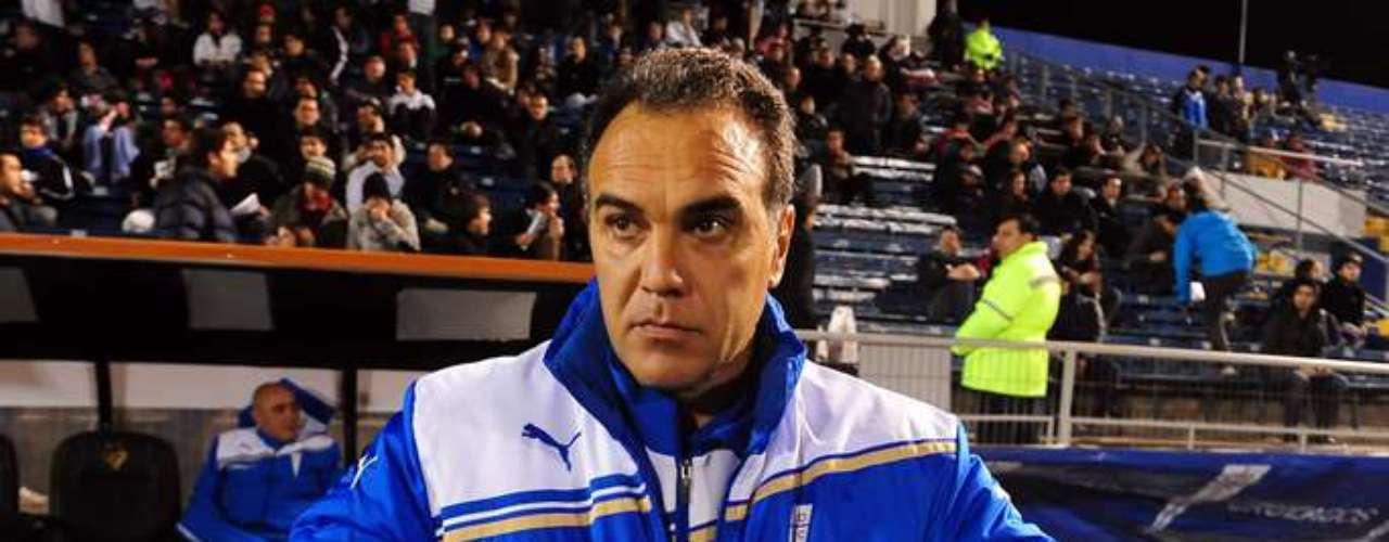 EL FUTURO DE LASARTE: Debido a su pobre campaña en el Torneo de Clausura, llegar a una final de la Copa Sudamericana puede ser el respaldo que Martín Lasarte necesita para seguir al frente del club.