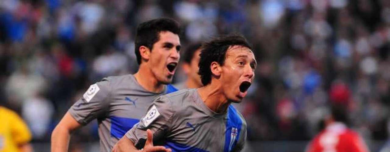 PLANTEAMIENTO DE LA UC: Según lo afirmó el propio DT Lasarte, el equipo intentará controlar al rival teniendo el balón y llegar con la serie abierta al segundo tiempo, en el cual se jugará todas sus cartas para clasificar.