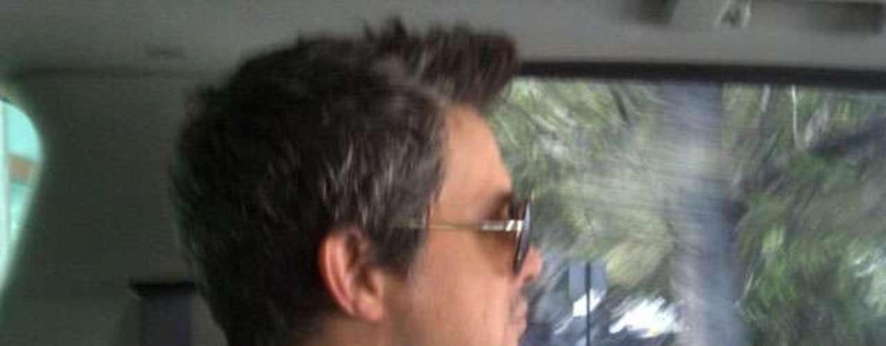 Alejandro Sanz, quien se prepara arduamente para llenar de romanticismo la tarima de Terra Live Music, el próximo 6 de diciembre a las 6:30 pm (EST), mantiene un contacto permanente con su fanaticada para mantenerse como uno de los artistas latinos que más seguidores tiene en las redes sociales: más de 7 millones en Twitter y más de 2 millones en Facebook. Acompáñanos a realizar un viaje por las fotos más resaltantes que ha compartido en la web.