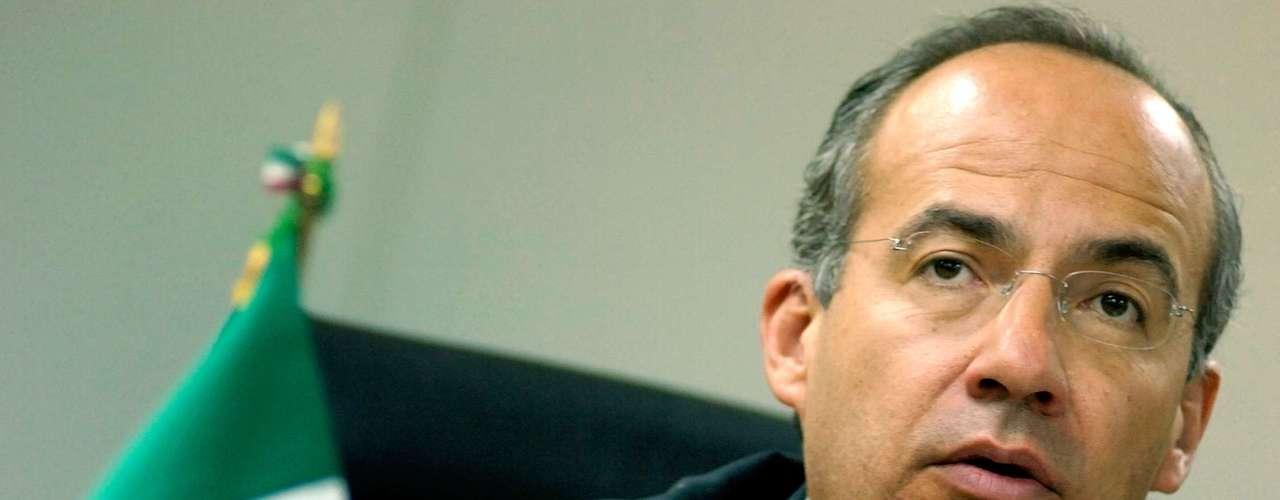 En septiembre pasado, Rafael Morgan Ríos, secretario de la Función Pública de la administración calderonista declaró que en se aplicaron 50 mil sanciones a servidores públicos por diversos actos de corrupción, de las cuales sólo 9 mil fueron motivadas por anomalías graves.