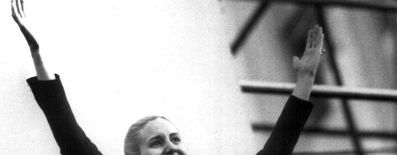 Eva Perón. El cuerpo de la esposa del expresidente de Argentina Juan Domingo Perón hizo un largo recorrido después de su muerte por cáncer en 1952.
